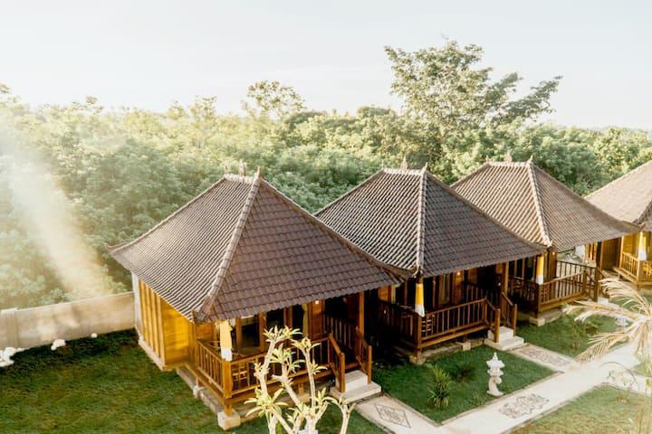 Private Hut  in Lembongan