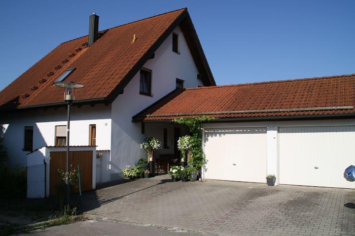 Welterbe Regensburg & Altmühltal: Einfamilienhaus - Bad Abbach - Talo