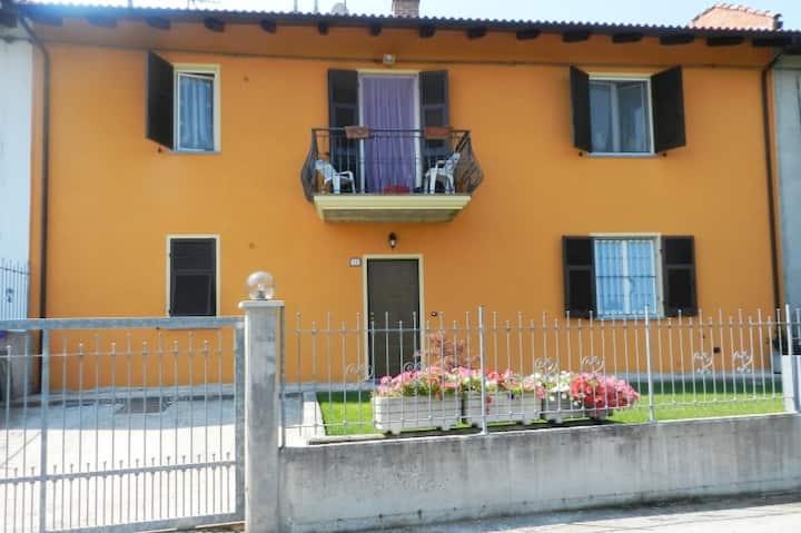 Casa in campagna a Maretto con ampio giardino