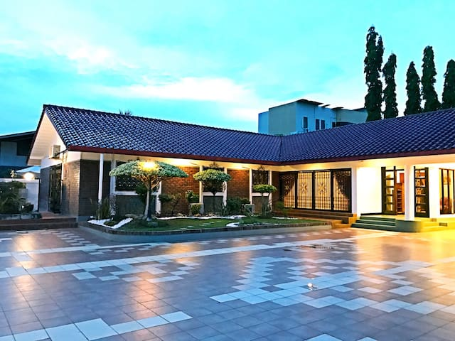 KK Beach House w Private Swimming Pool 带有私人游泳池的度假屋 - Kota Kinabalu - Bungalow