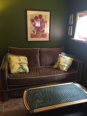 Charming room in Ballard