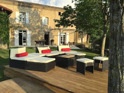Agréable bastide Provençale avec piscine