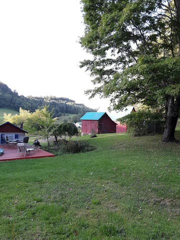 Country home off Blue Ridge Parkway with access
