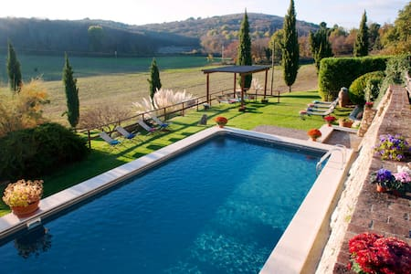 Private Tuscan Villa, pool,Hot Tub, near Siena - Sovicille