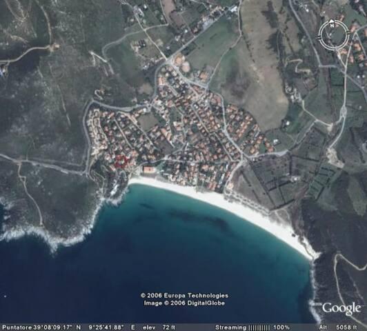 Paese di Solanas visto dall'alto.