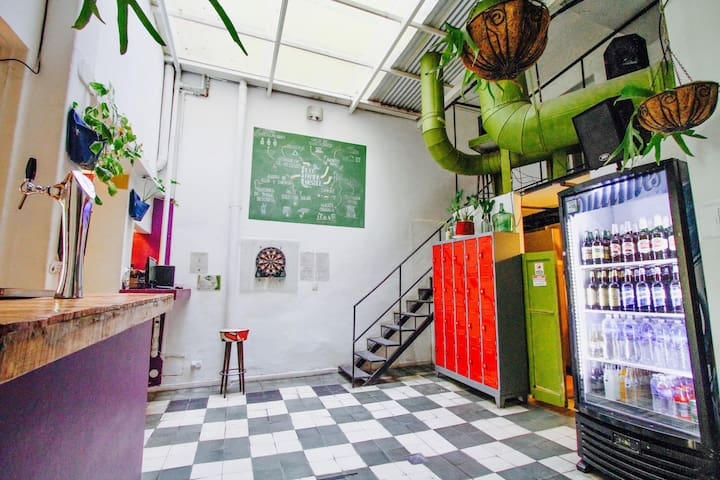 Single bed in share dorm ( 6 people ) - Buenos Aires - Hostal