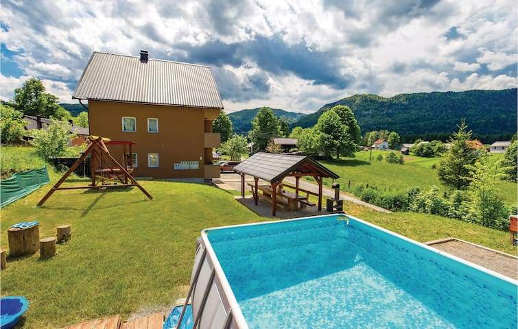 Holiday apartment with 1 bedroom on 34m² in Ogulin
