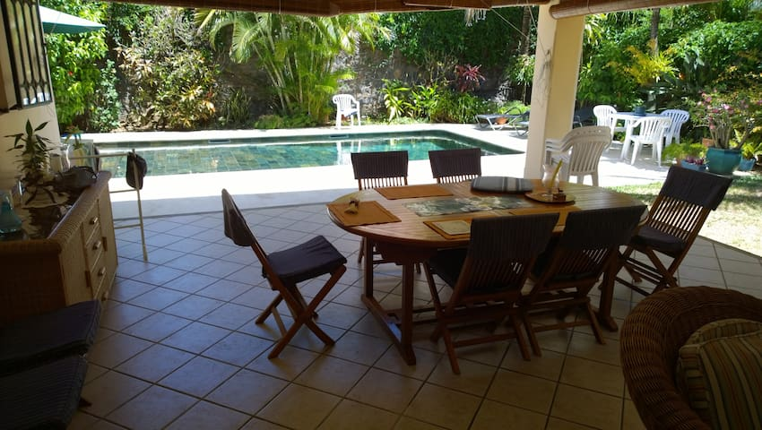 Rooms to rent in large house in North of Mauritius - Grand Gaube - บ้าน