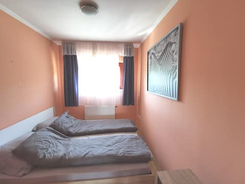 Bonito apartamento de 1 cama+sala de estar a 8min del aeropuerto.