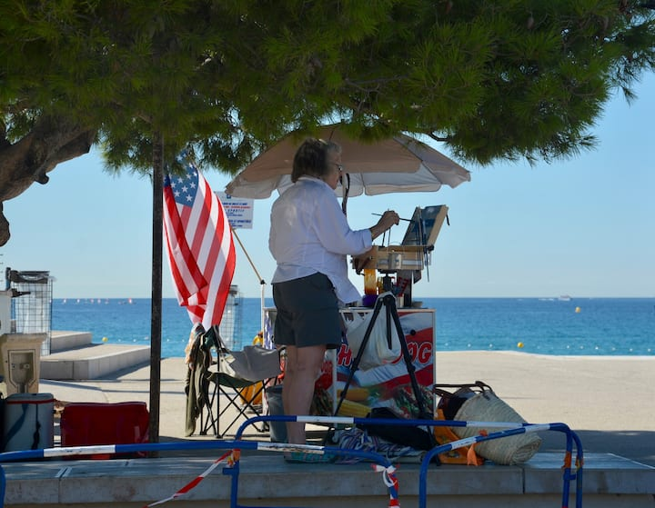 Student Plein air painting in Cassis, Fr