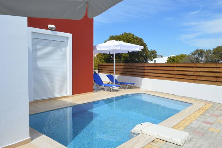 Gennadi gardens 3 bdr villa 129 sq.m private pool - Rodes - Apartamento