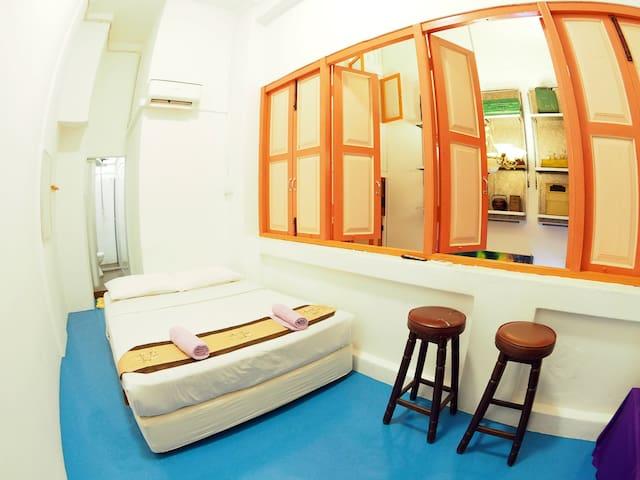 Colonial Double Room near JONKER STREET, MELAKA