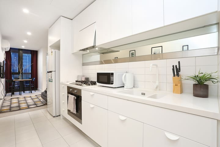 Lovely 1BR Apartment near Victoria Market