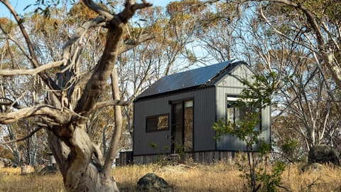 Off-grid Tiny House – Big Yard Escapes, Wilderness