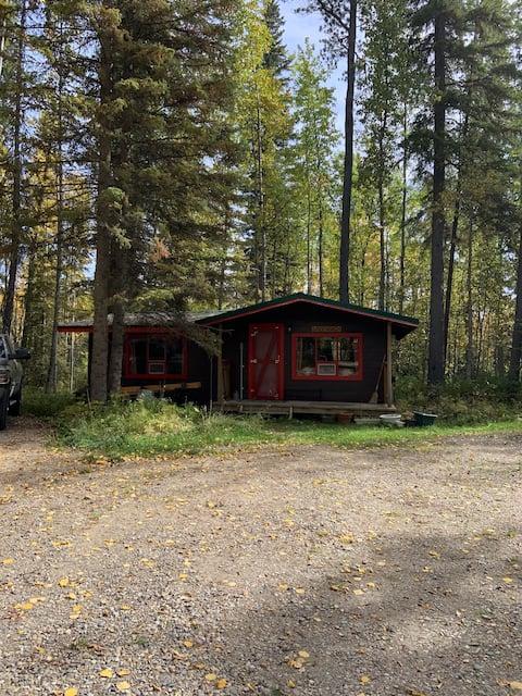 Quiet & Peace in Crimson Lake - Lindenbach