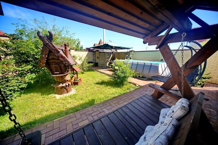 Дом под ключ в Анапе с бассейном без хозяев
