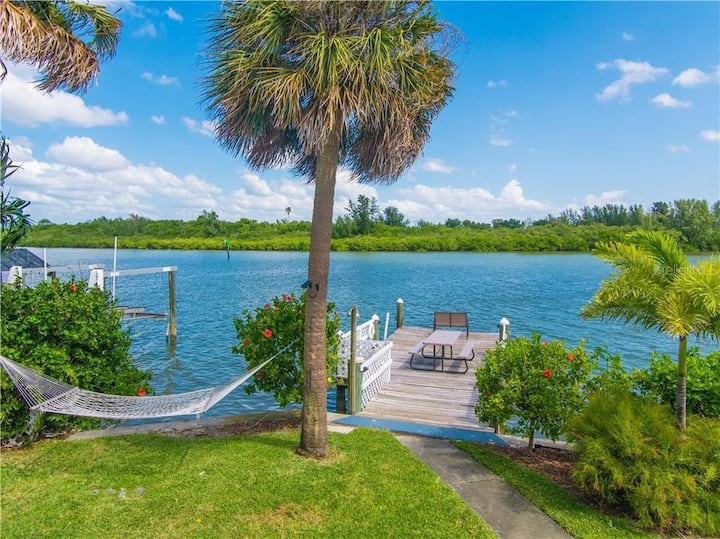 Amazing location! 4/2 with dock across from beach!