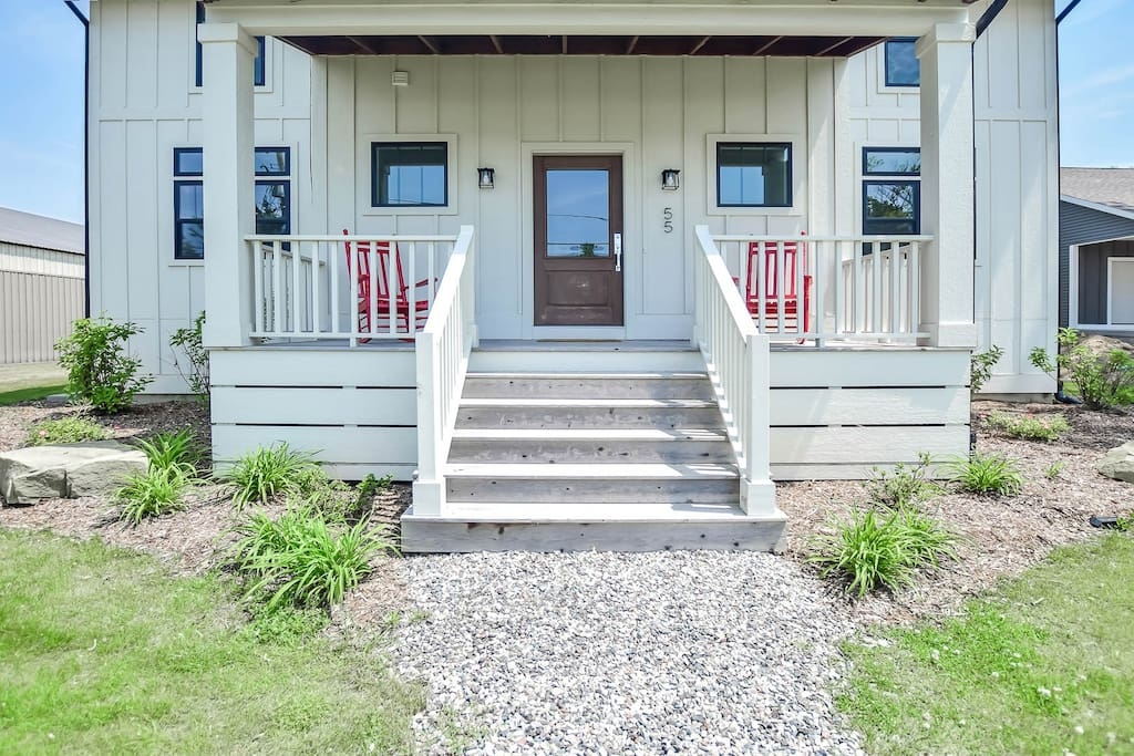 Located just 1 mile from Lake Michigan beach access.