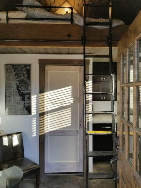 Private small getaway in Historic Steilacoom
