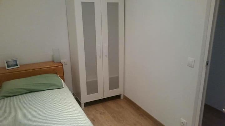 Habitación individual - Piso bonito en Gracia