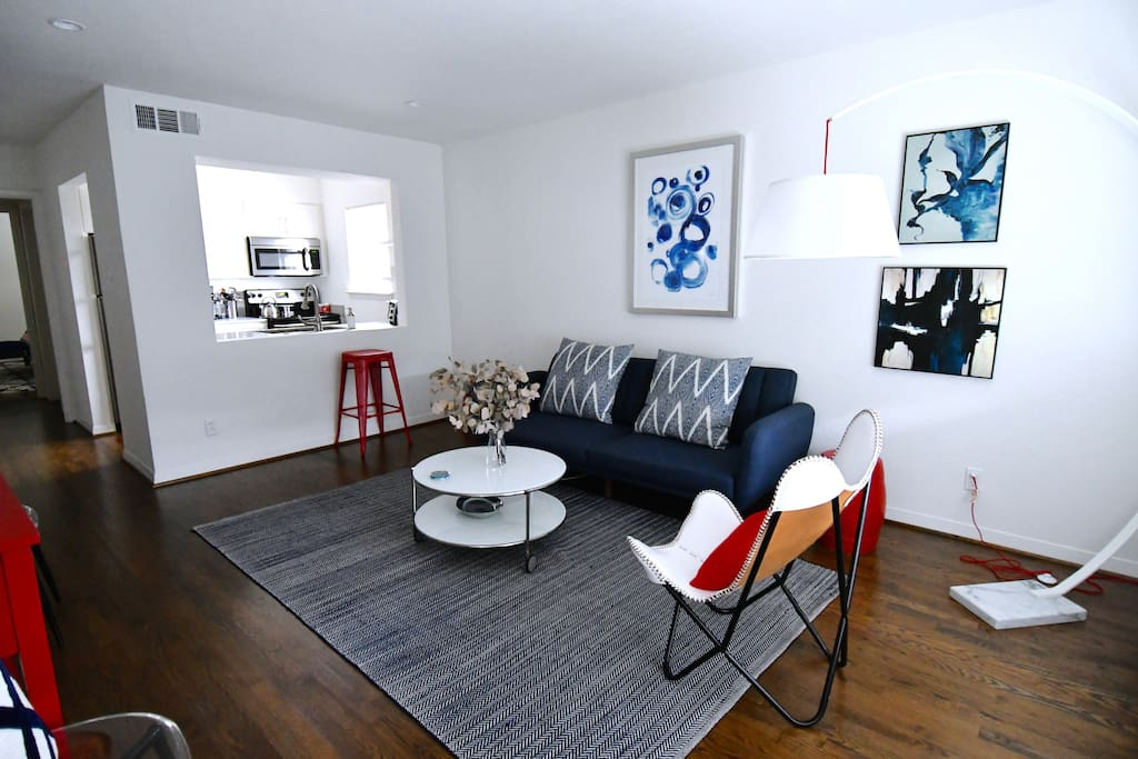 UNIT C- Living room with pull out sofa