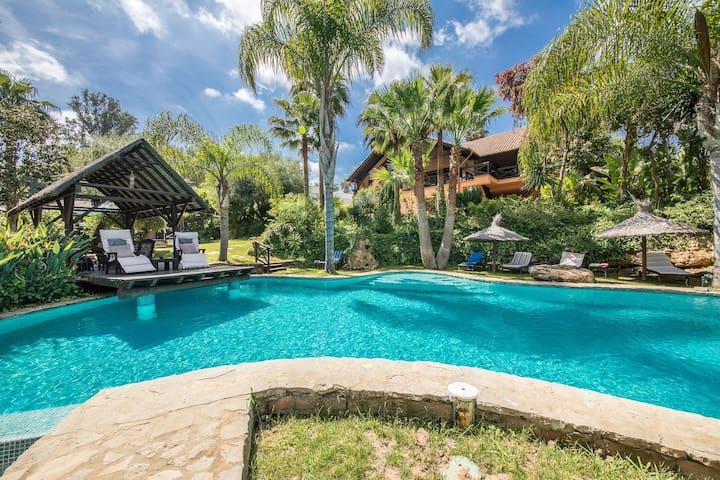 Luxury Tropical Villa w/ Large Pool in Sotogrande!