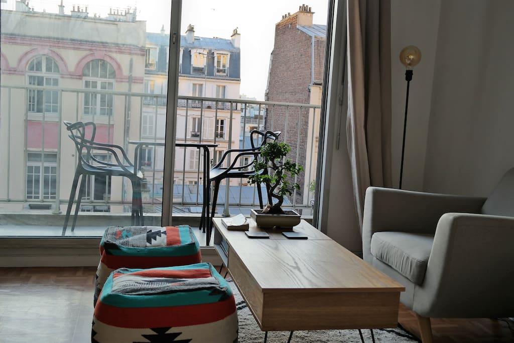 Appartement avec balcon montmartre paris apartments for Appartement avec balcon paris