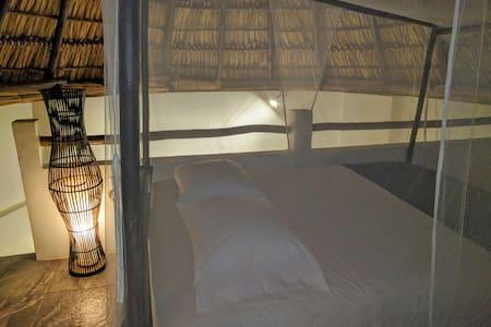 Lodge on the beach with ocean views - Las Peñitas - House