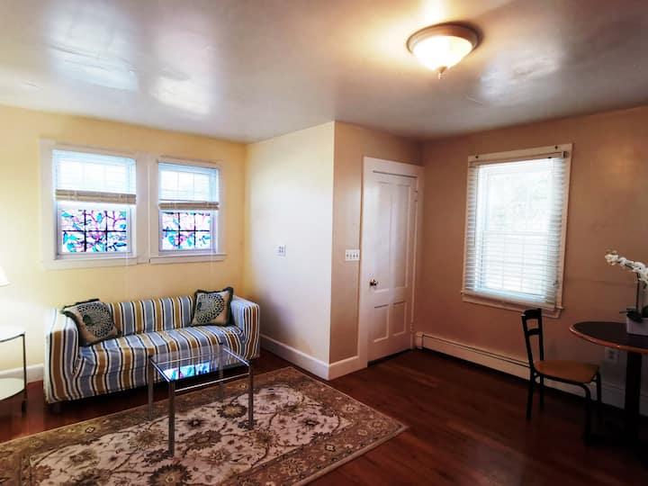 Entire one-bedroom suite in Framingham center