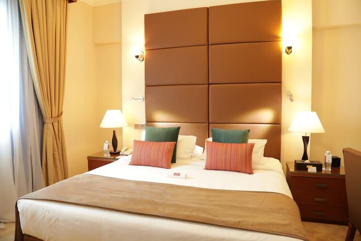 Luxury Hotel With Breakfast & Wi-Fi internet