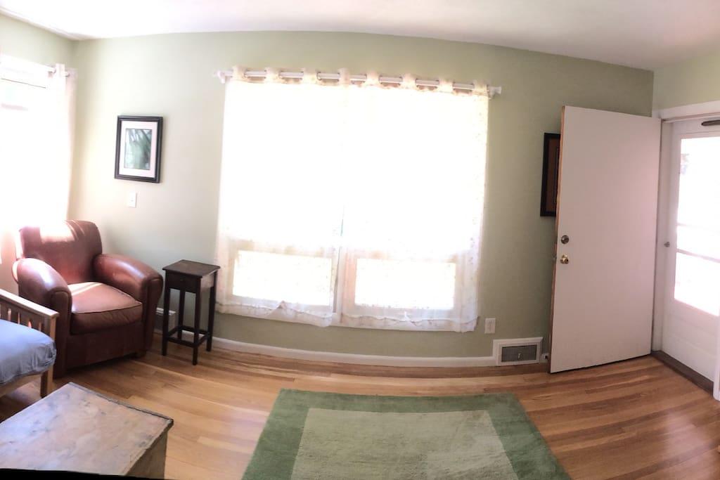 Sitting room, entry door.