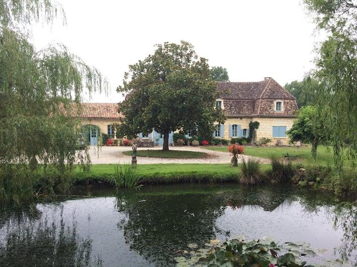 """Cottage/Apartment  """"DOMAINE  de  COLOMBAT"""""""