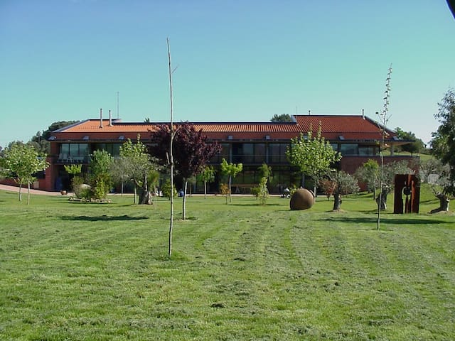 Escola de Ceràmica de la Bisbal - Province of Girona - Gästehaus