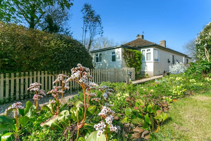 A spacious 2-bed Jurassic Coast holiday home
