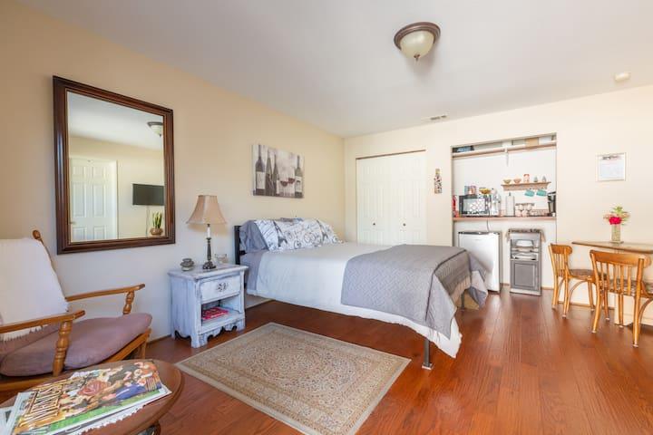 Comfy & Cozy Beach Guest Room