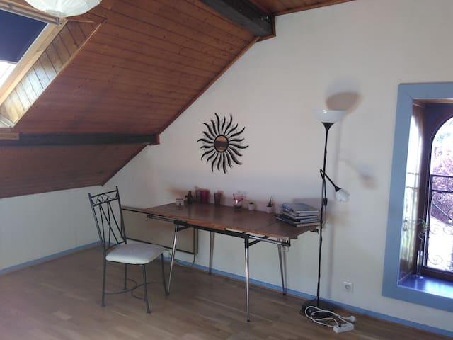 Chambre sous les toits proche de Genève - Haute-Savoie - Casa