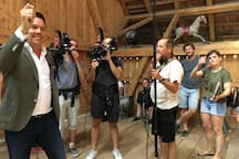 """TV Set with Sven Epiney for Swiss Television Show """"wer wohnt wo?"""""""