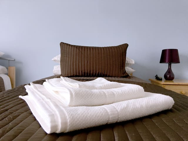 66/6 Bescot Road Luxury Apartment