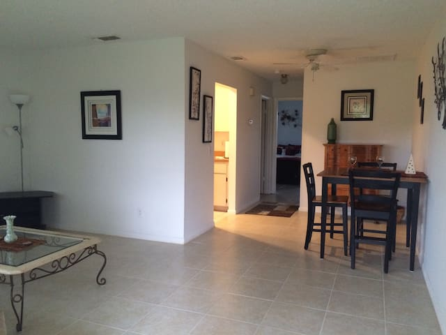 Hobe Sound-Peaceful-5 Min to beach - Hobe Sound - Apartament