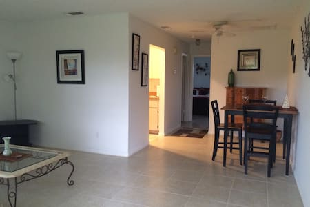 Hobe Sound-Peaceful-5 Min to beach - Hobe Sound - Appartement