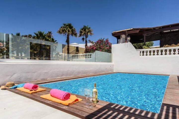 Prestigious 3 bedroom Villa Malva - Matagorda .