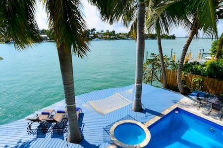 Villa Valeri - Miami Beach