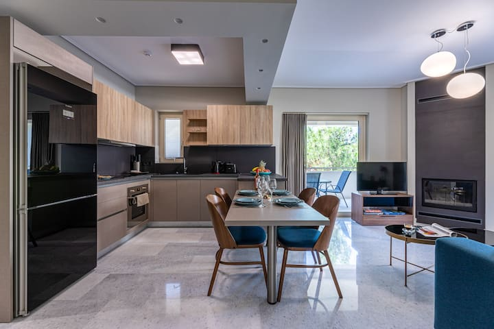 Elegant Two-Bedroom Apartment | Olygreen Athens