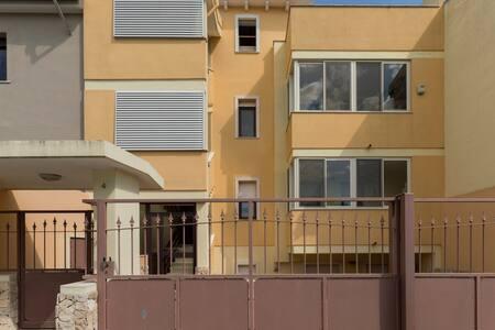 A 10 min. da Cagliari e dalla spiaggia del Poetto