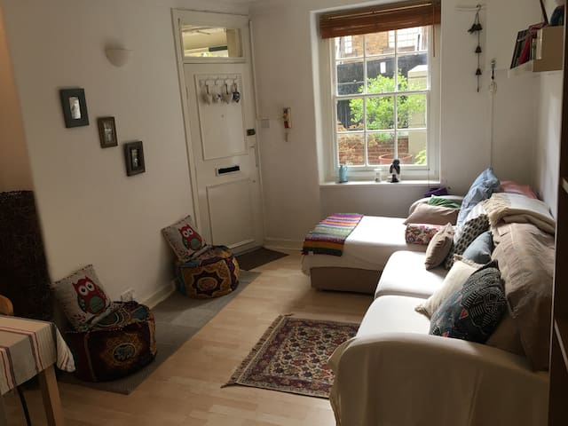 Cosy 2 bed flat  in Central Covent Garden. - Martlett Court - Appartamento