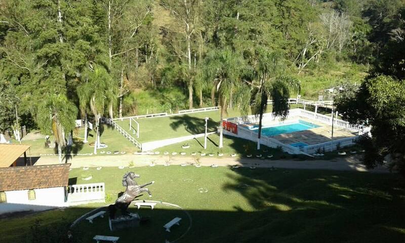 Aluga-se Chalés em Santa Isabel a beleza do campo