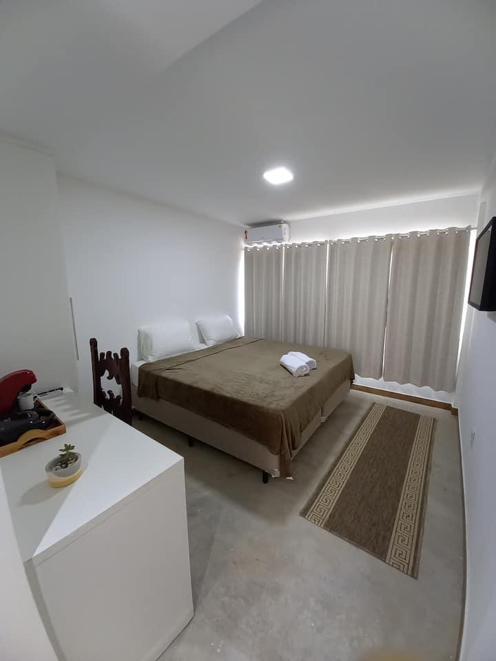 Conforto em Suites com vista para lagoa e mar. S2