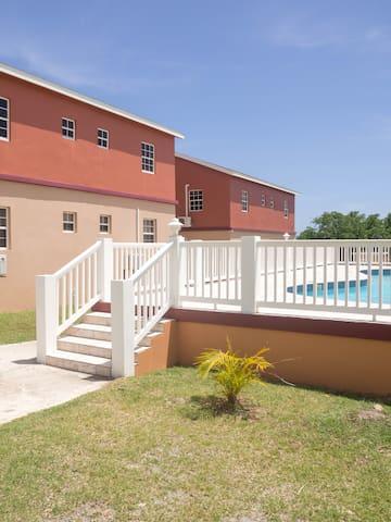 Nevis Retreat: Spacious Ground Floor Apartment