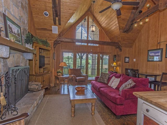 Cozy Cuscowilla Golf/Lake Oconee Cottage