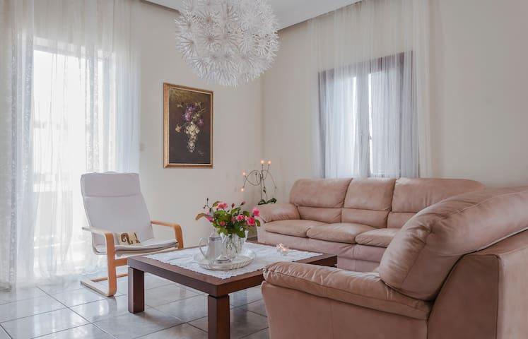 Anna's beautiful apartment, 1,5 km fr center